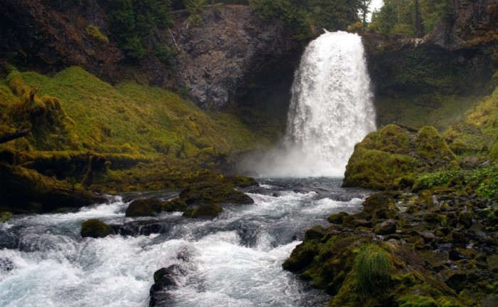Bend OR waterfall, cost of living in Bend Oregon (3)