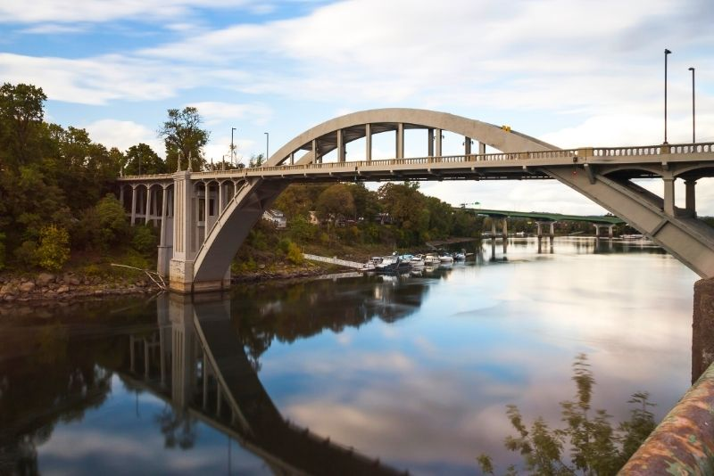 Bridge in West Linn Oregon, West Linn Oregon, Living in Portland Oregon real estate