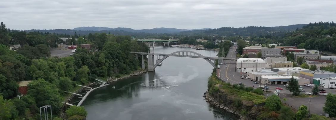Oregon city Arch Bridge, best suburbs in Portland Oregon