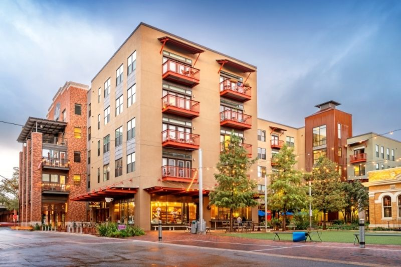 Pearl District Portland building, Best Areas to Live in Portland Oregon for Singles & Young Professional