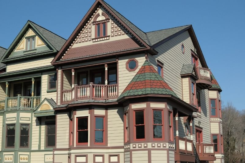 Victorian style home in Portland Oregon, Best Areas to Live in Portland Oregon for Singles & Young Profe