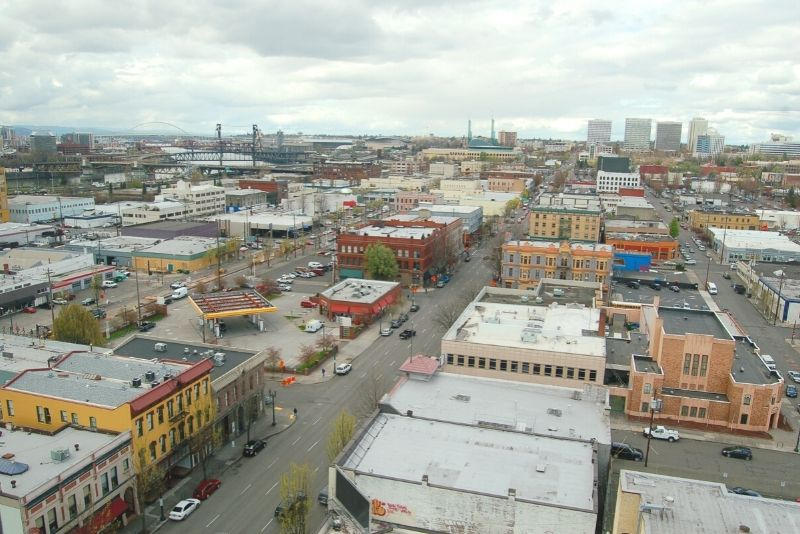 aerial view of a business area of Portland Oregon, Where to live when moving to Portland Oregon