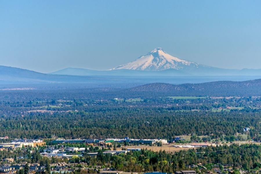 outdoor landscape in Bend OR, Pros and Cons of Living in Bend, Oregon (2)