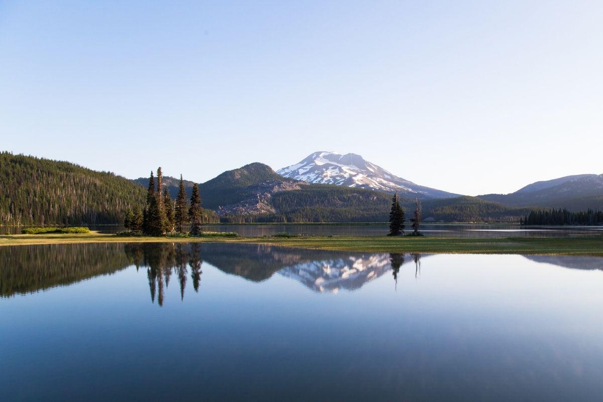 outdoor landscape in Bend OR, living in Bend vs Portland Oregon, Living in Portland OR real estate