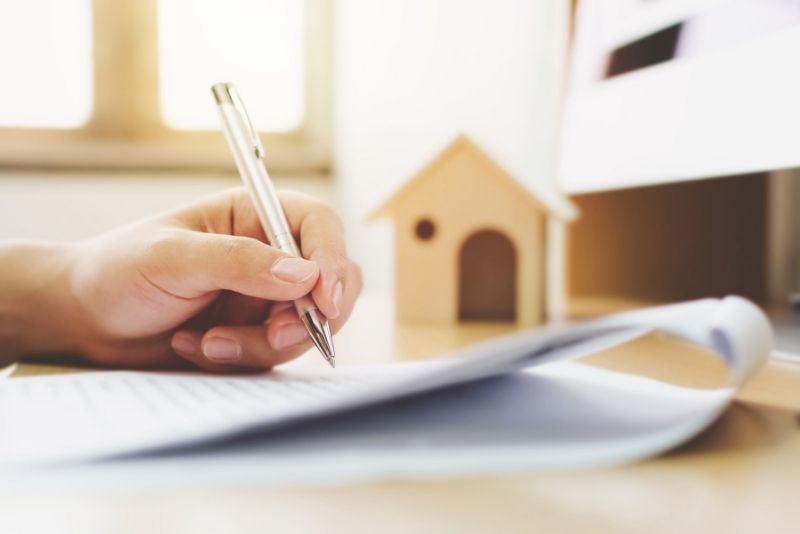 person signing a mortgage paper, Is Portland the new California