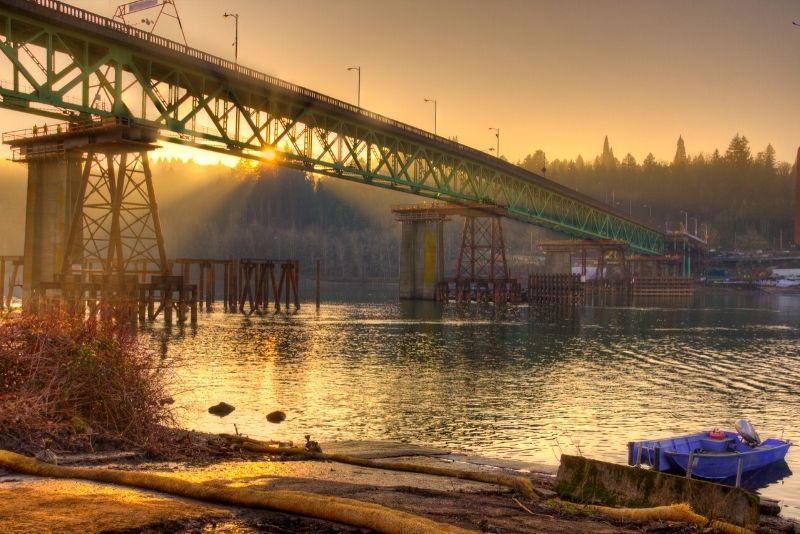 sunset at the Sellwood Moreland Oregon bridge, Living in Sellwood Moreland Oregon
