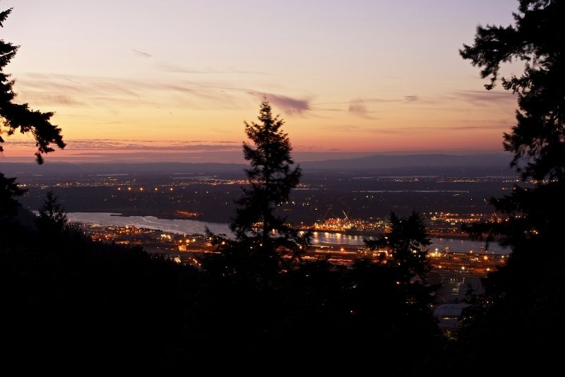 sunset over West Linn Oregon, West Linn Oregon, Living in Portland Oregon real estate