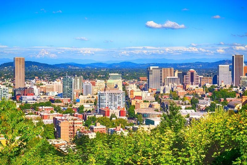 view of downtown Portland Oregon in the spring, living in portland vs beaverton oregon (3)